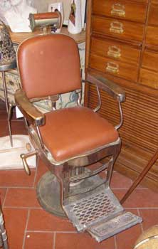 Barber's chair, with leather, Catania