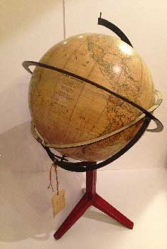 Wonderful italian globe, Paravia, with metal base