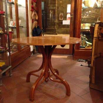 thonet table