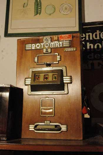 ROTOMAT slot machine, in wood