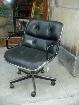 Turning chair, black leather, Knoll